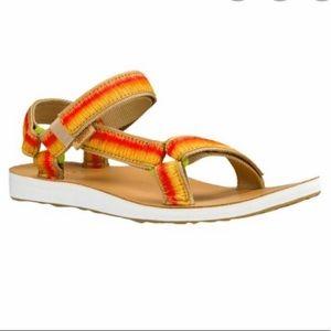Teva Original Universal Sandal Ombré tan size 10